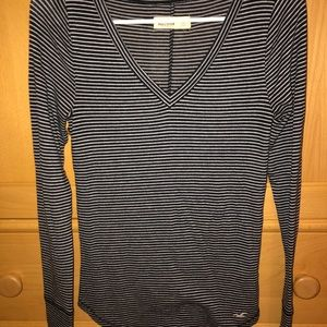 HOLLISTER V NECK LONG SLEEVE